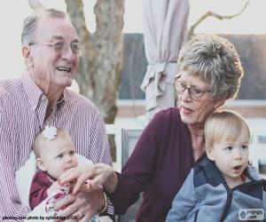 Puzzle de Abuelos con sus nietos