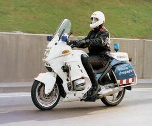Puzzle de Agente de policía motorizada con su motocicleta