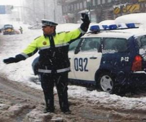 Puzzle de Agente de policía parando el tráfico