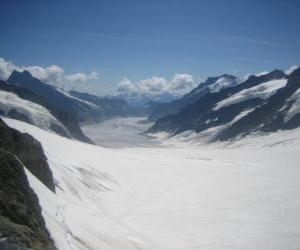 Puzzle de Alpes suizos Jungfrau-Aletsch, Suiza.