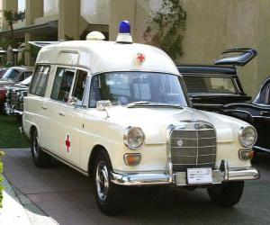 Puzzle de antigua ambulancia