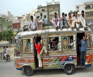 Puzzle de Autobus, de Karachi