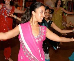 Puzzle de Bailarina hindú en el festival de las luces, el Diwali