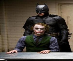 Puzzle de Batman interrogando a su enemigo el Joker o el Guasón