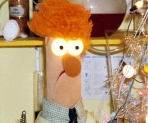 Puzzle de Beaker haciendo un experimento en el laboratorio de los Muppets