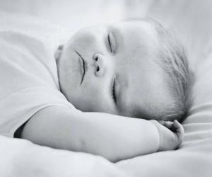 Puzzle de Bebé durmiendo tranquilamente
