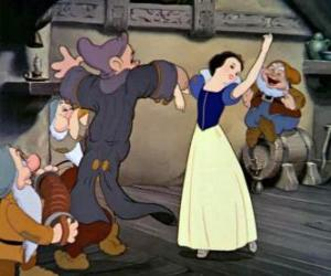 Snow White And The Seven Dwarfs Dancing