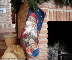 Puzzle de Calcetín navideño colgado en la chimenea