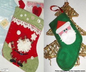 Puzzle de Calcetines navideños decorados con Papá Noel