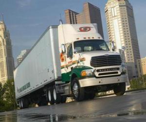 Puzzle de Camión trailer en la ciudad