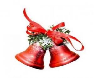 campanas de navidad con un gran lazo y unas hojas de abeto - Campanas Navideas