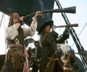 Puzzle de Capitán del barco pirata observando otro barco con el catalejo