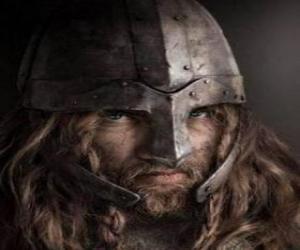 Puzzle de Cara de vikingo con bigote y barba y con el casco