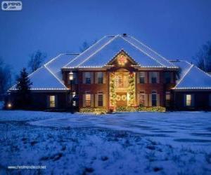 Puzzle de Casa decorada con adornos navideños