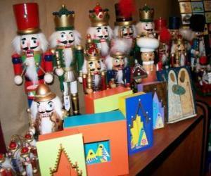 Puzzle de Cascanueces con forma de soldado como adornos navideños