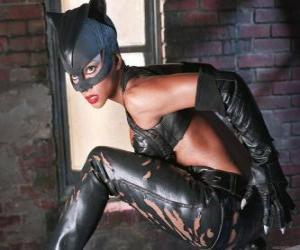 Puzzle de Catwoman, una ladrona de joyas y rival de Batman por quien siente una fuerte atracción romántica
