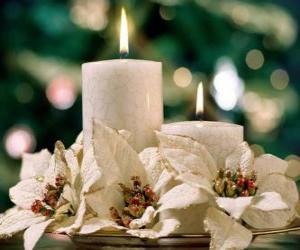 Puzzle de Centro de mesa con dos velas y flores blancas