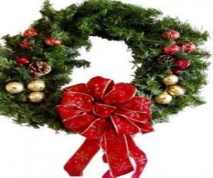 Puzzle de Corona de Navidad adornada con un gran lazo y bolas