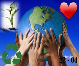 Puzzle de Día de la Tierra, 22 de abril. Un mundo feliz, un mundo con reciclaje y amor por el medio ambiente