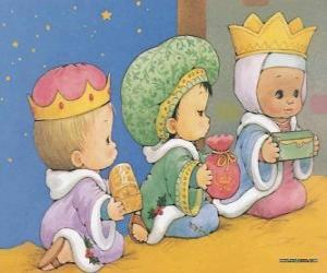 Puzzle de Dibujo de tres niños disfrazados como los tres Reyes Magos de Oriente