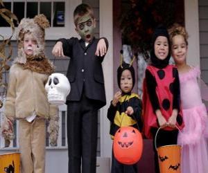 Puzzle de Disfraces de Halloween para niños