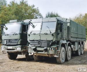 Puzzle de Dos camiones militares