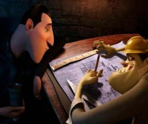 Puzzle de Drácula revisando los planos del  Hotel Transylvania