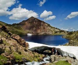Puzzle de El Carlit es la cima culminante del departamento francés de los Pirineos Orientales