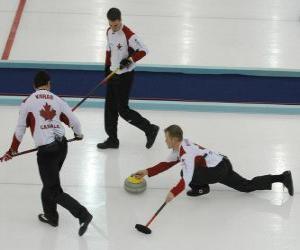 Puzzle de El curling es un deporte de precisión, similar a los bolos ingleses o a la petanca, que se practica en una pista de hielo.