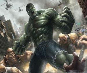 Puzzle de El increíble Hulk o la Masa con una fuerza prácticamente ilimitada es uno de los superhéroes más famosos