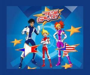Puzzle de El Team Galaxy formado por Yoko, Brett y Josh