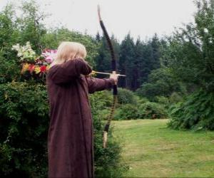 Puzzle de Elfo cazador armado con arco y flecha preparado para disparar