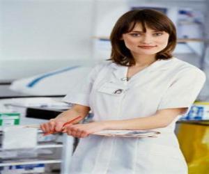 Puzzle de Enfermera trabajando en el hospital