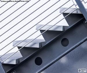 Puzzle de Escaleras de metal