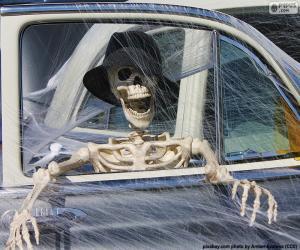 Puzzle de Esqueleto en un coche, Halloween