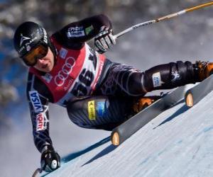 Puzzle de Esquiador alpino practicando un descenso