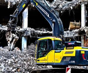 Puzzle de Excavadora en una demolición