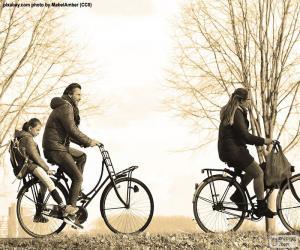Puzzle de Familia en bicicleta