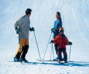 Puzzle de Familia practicando el esquí