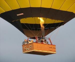 Puzzle de Família volando en globo