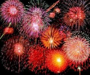 Puzzle de Fuegos artificiales en la celebración de la Nochevieja o la noche de fín de año