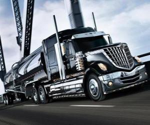Puzzle de Gran camión negro