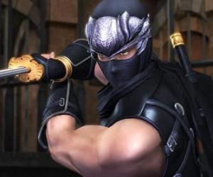 Puzzle de Guerrero ninja con la espada en la mano