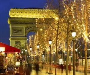 Puzzle de La avenida Champs Élysées adornada de Navidad con el Arco del Triunfo al fondo. París, Francia