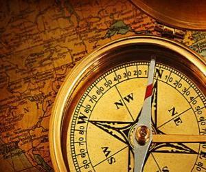 Puzzle de La brújula y el mapa unos accesorios imprescindibles para las exploradores y aventureros