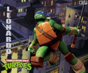 Puzzle de Leonardo, la tortuga ninja atacando con las katanas