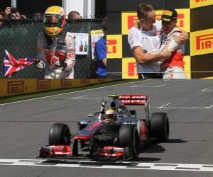 Puzzle de Lewis Hamilton celebra su victoria en el Gran Premio de Canadá (2012)