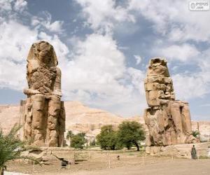 Puzzle de Los colosos de Memnón estatuas de piedra que representan al faraón Amenhotep III, Luxor, Egipto
