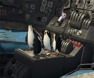Puzzle de Los pingüinos reparando un viejo avión estrellado