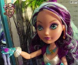 Puzzle de Madeline Hatter, estudiante de Ever After High